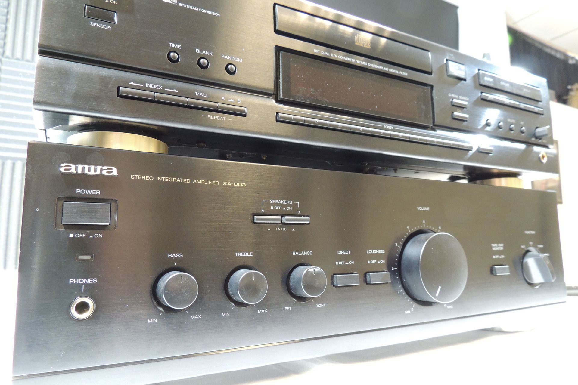 AIWA XA-003 AMP & XC-750 CD PLAYER