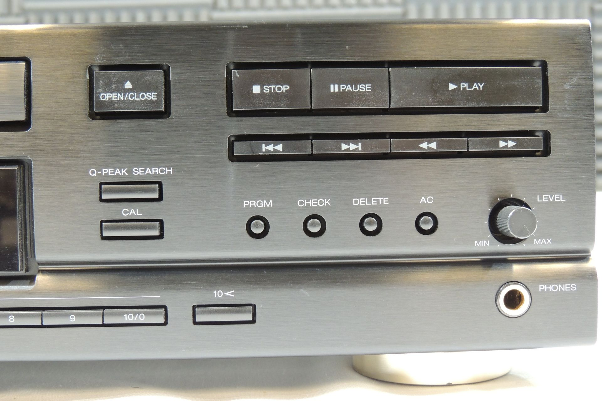 Aiwa XA-003 hi-fi amplifier and Aiwa XC-750 CD player for sale at Plasma Music