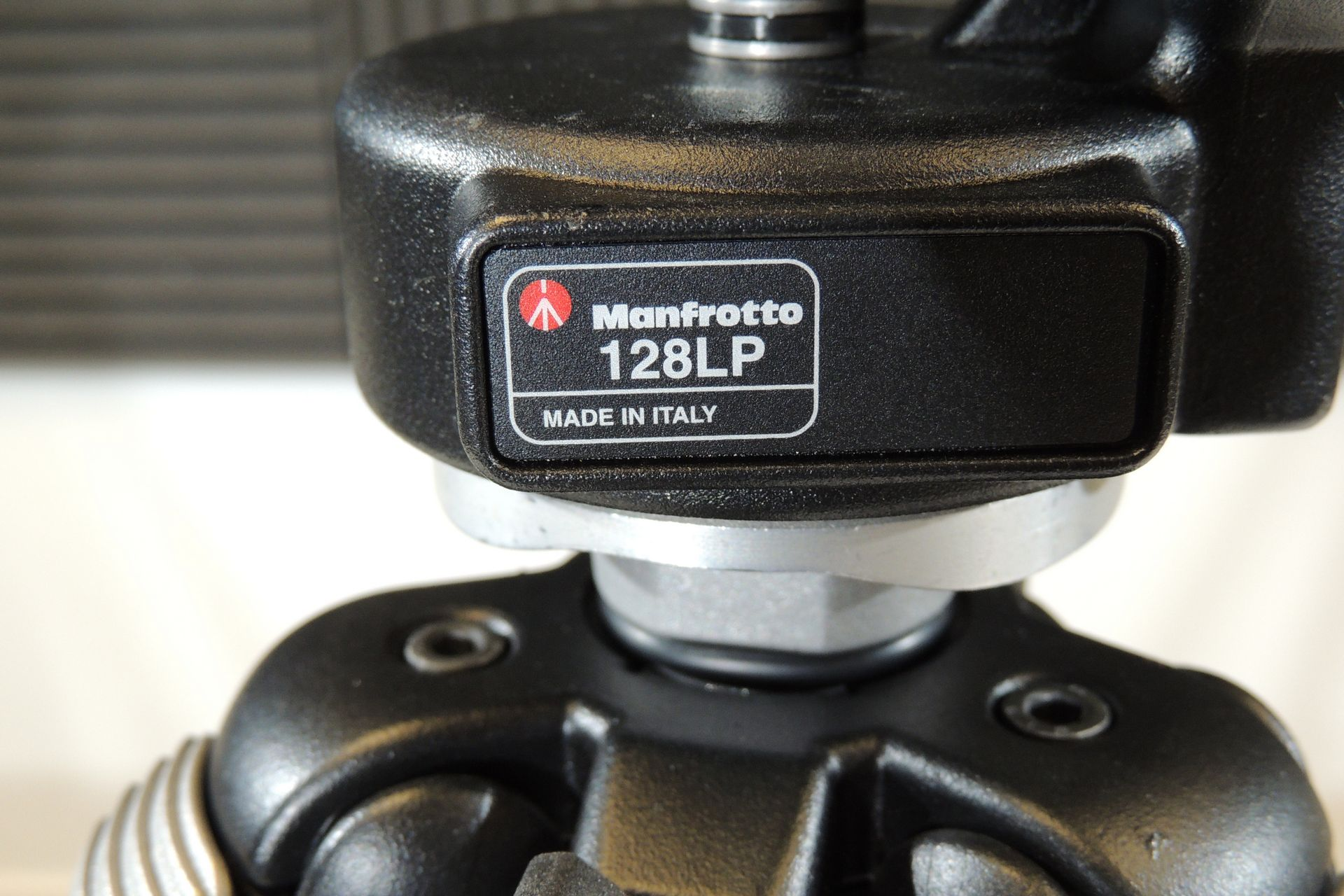 Manfrotto 290 3001N tripod and LP128 head for sale at Plasma Music