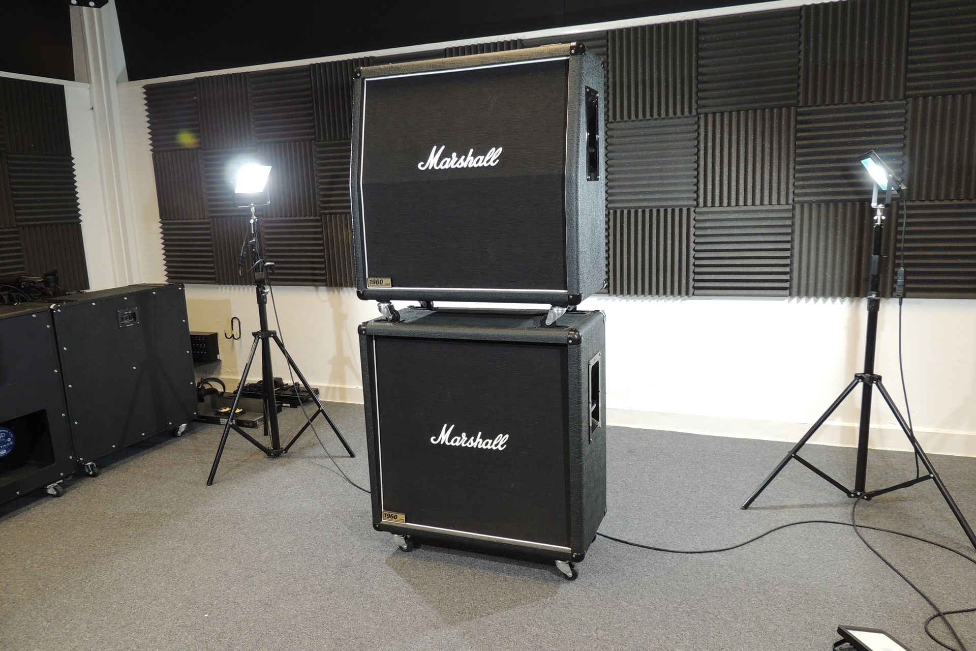 MARSHALL 1960A AND 1960B 4 x 12 CABS