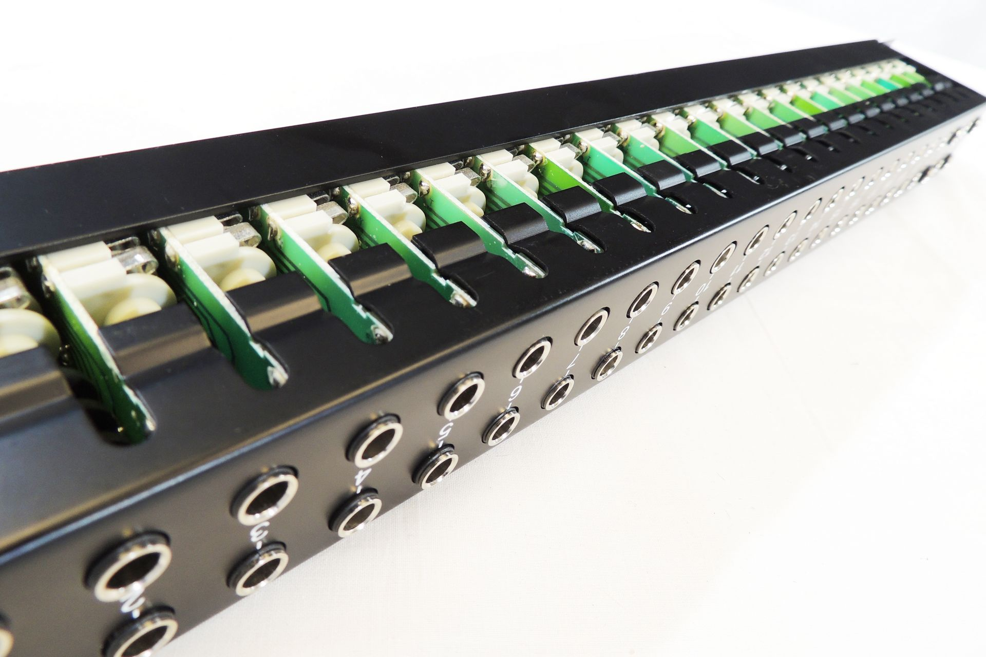 NEUTRIK NYS SPP L1 48-WAY JACK PATCHBAY