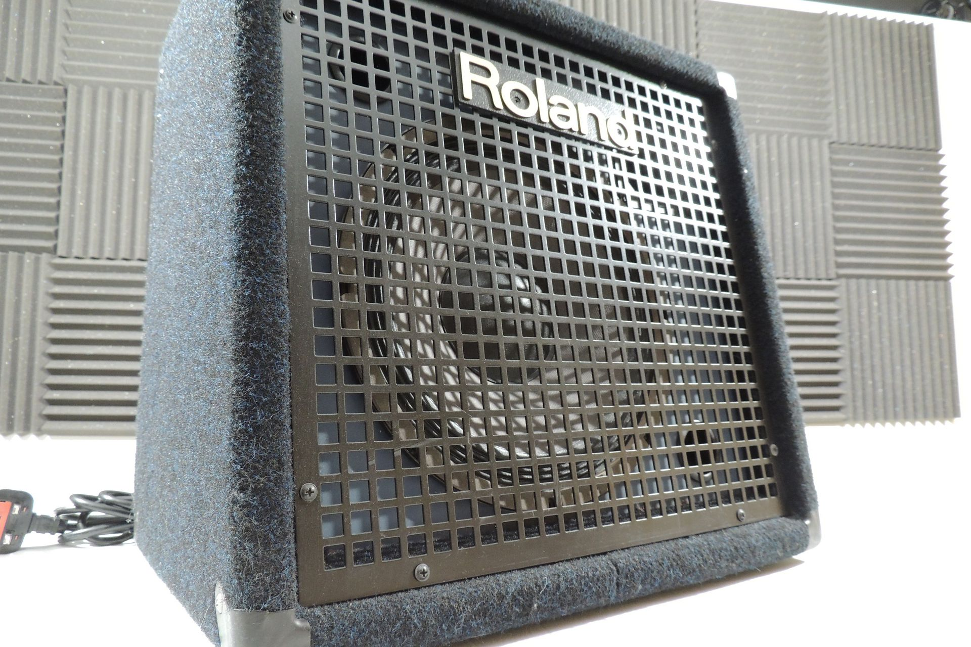 Roland KC-60 keyboard amp for sale at Plasma Music