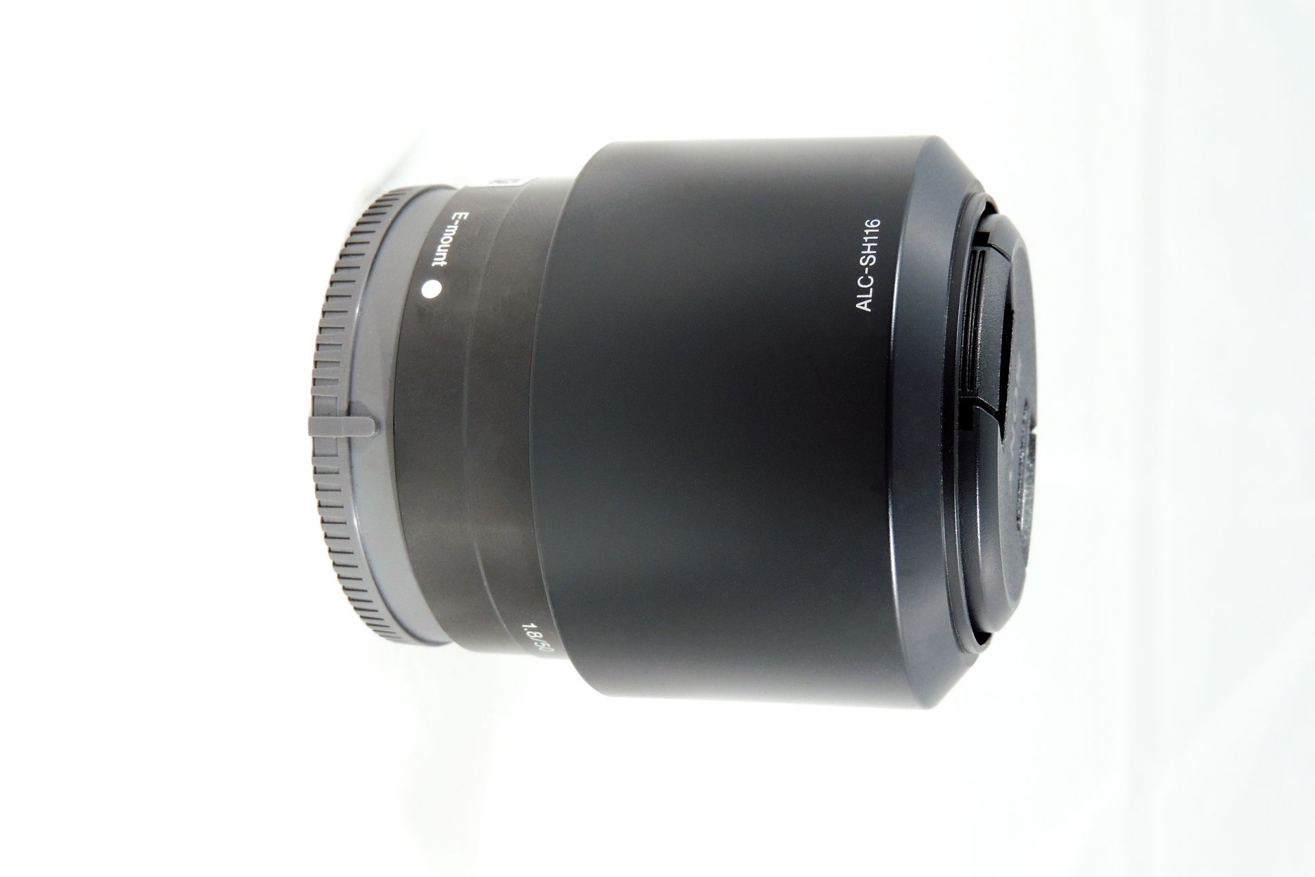 SONY 50 mm f/1.8 LENS WITH HOOD