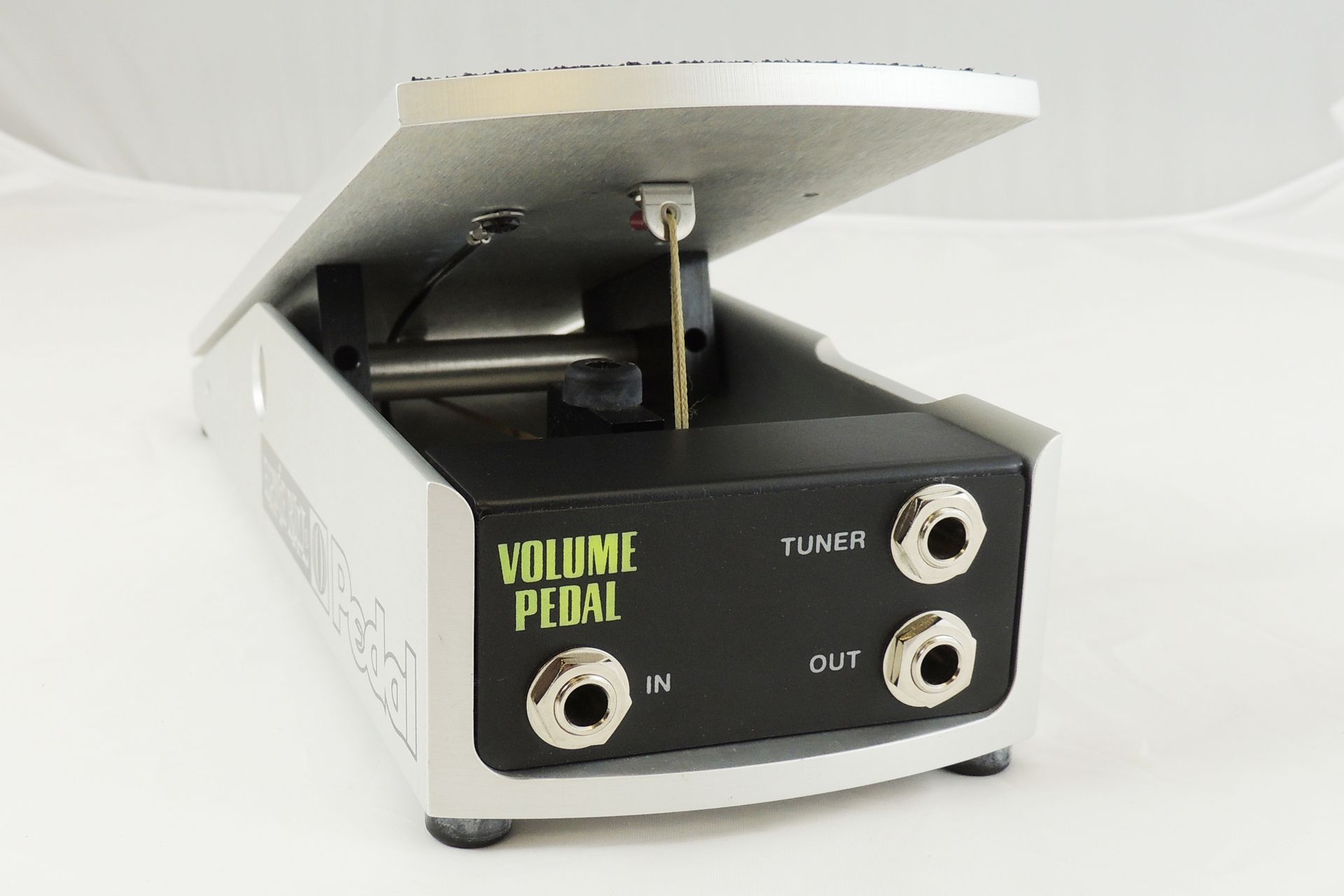 Ernie ball 6166 volume pedal for sale at Plasma Music