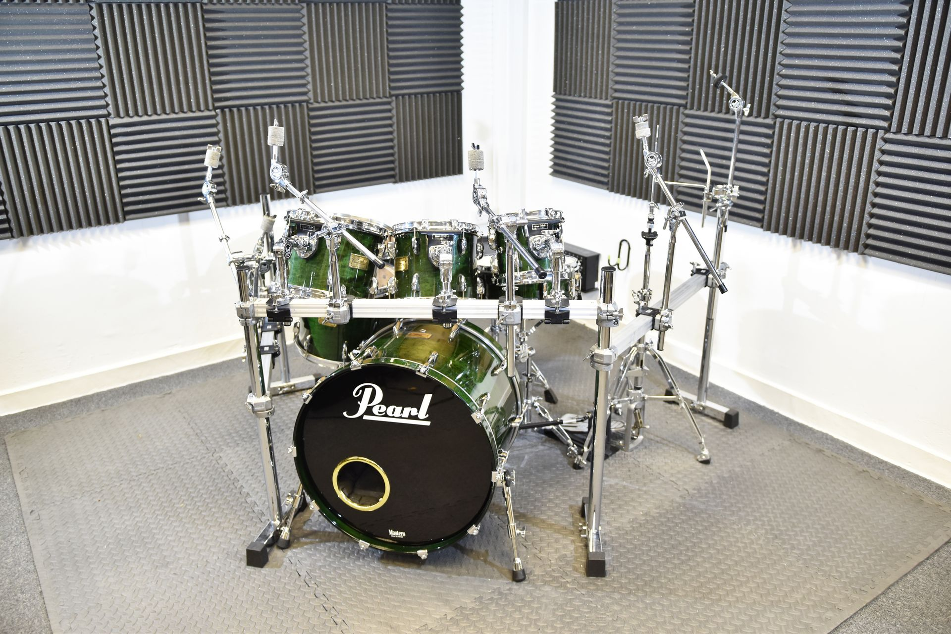 Pearl Masters 7-Piece Custom Maple Shell drum kit for sale at Plasma Music